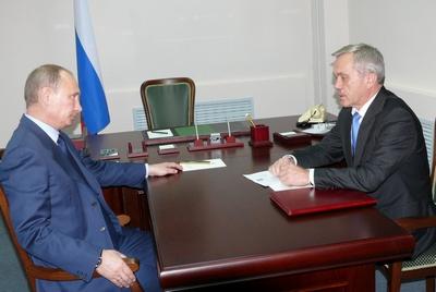 Председатель Правительства РФ Владимир Путин: У представителей интеллигенции особая миссия - вести за собой, помогать становиться лучше